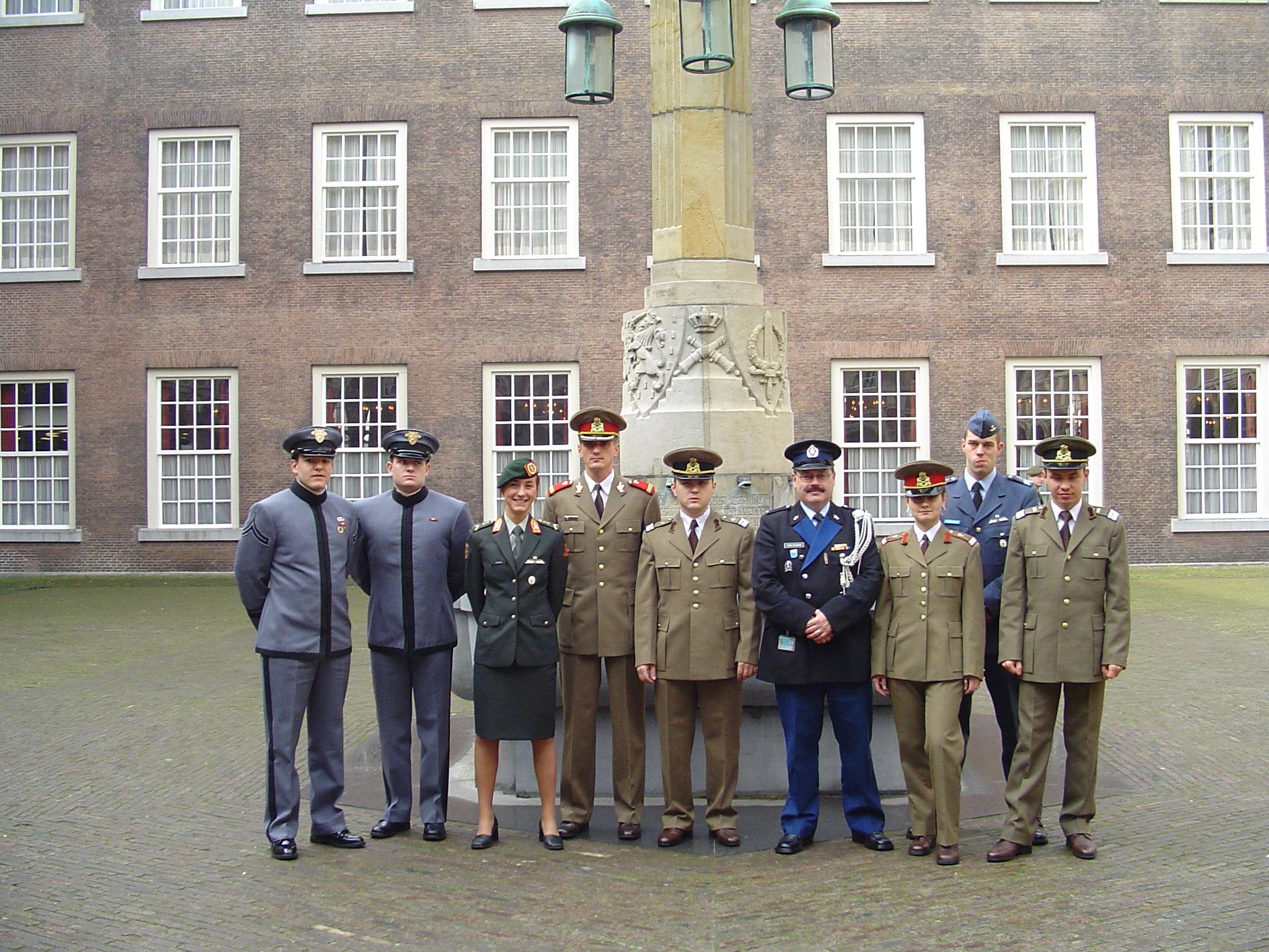 Vizită de studii în Olanda, împreună cu cadeți olandezi și americani
